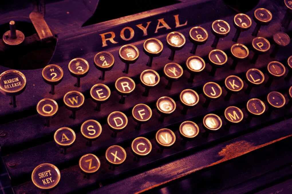 Editoriale, macchina da scrivere